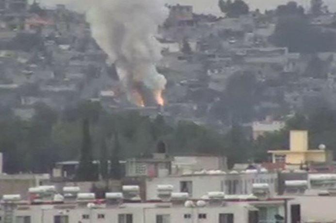 Vuelve a arder Tultepec por polvorín clandestino, hay dos muertos (VIDEO)