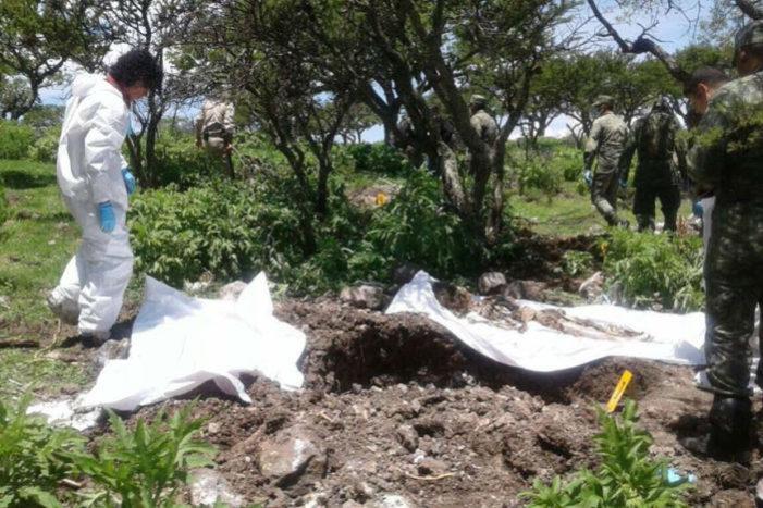 Hallan fosa clandestina con 14 cuerpos en zona serrana de Zacatecas