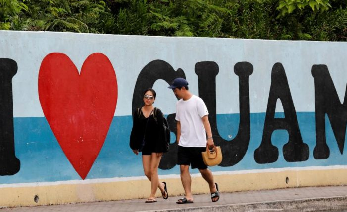 Distribuyen guía de supervivencia en Guam ante posible ataque norcoreano