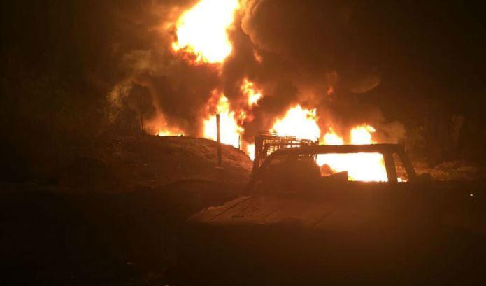 Se registra incendio ocasionado por toma clandestina en Sinaloa