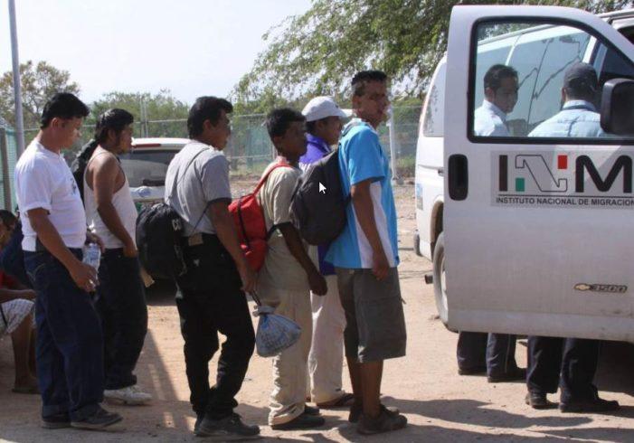 Agentes del INM niegan comida a migrantes para que acepten deportación voluntaria