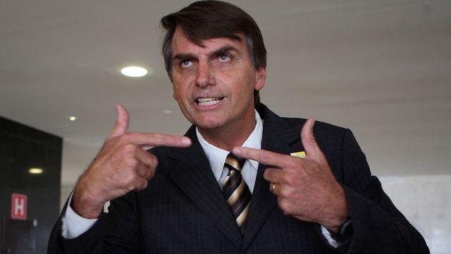 Multan a diputado de Brasil por decir a mujer 'que era tan fea que no valía la pena violarla'