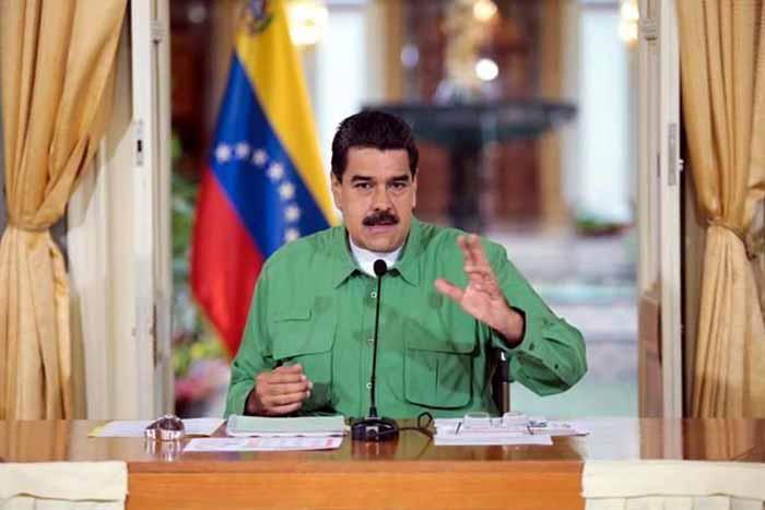 Maduro llama a Peña Nieto cobarde y empleado maltratado de Trump (video)