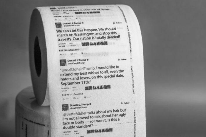 Amazon vende papel higiénico con tuits de Trump y se agota en unas horas
