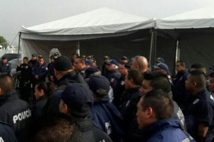 Policías de Coacalco para en protesta por nepotismo, abuso y corrupción