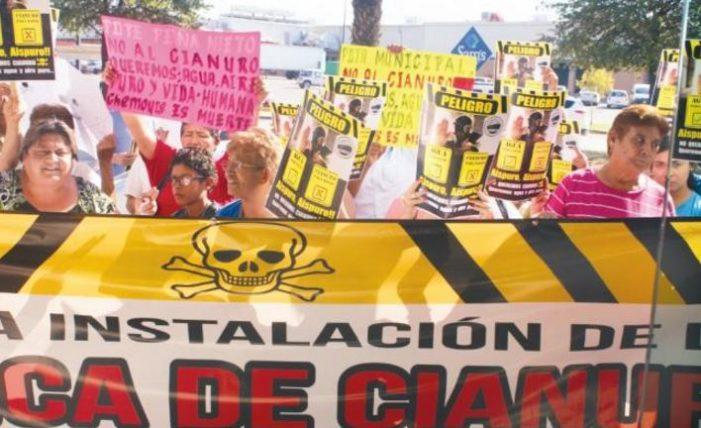 Habitantes de Durango se manifiestan contra planta de cianuro que contaminaría el aire