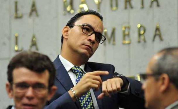 Cancelan sesión del Congreso por asistir a boda en Veracruz