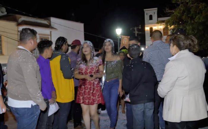 Mujeres de los Altos de Jalisco buscan novio en tradicional 'serenata' (VIDEO)