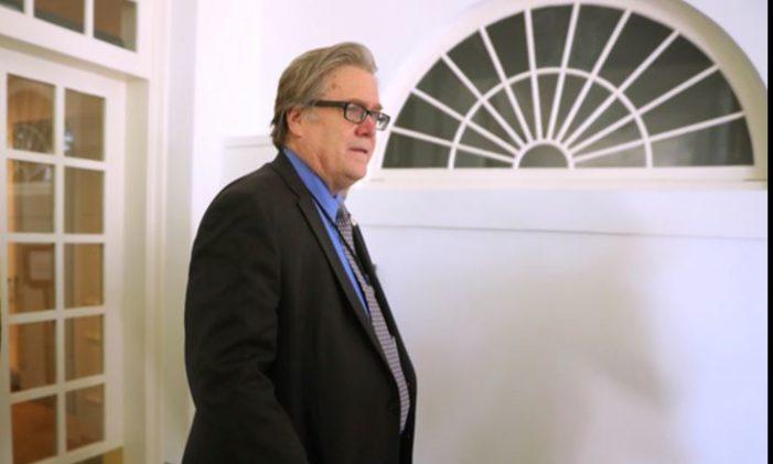 Abandona la Casa Blanca Steve Bannon el cerebro de Trump