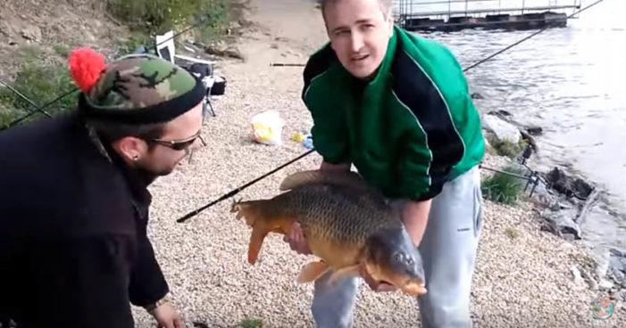 Captura enorme pez, festeja… y se le cae al río (Video)