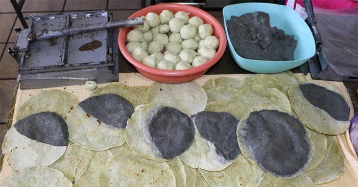 Venden 'tortillas eclipsadas' durante el eclipse del lunes