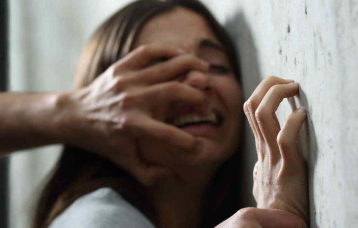 En un año, más de 24 mil mujeres fueron violadas en sus centros laborales