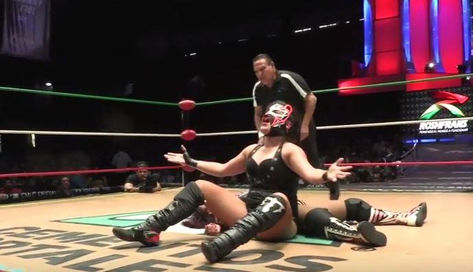 En descarnada lucha, Zeuxis se corona como Campeona Internacional CMLL-REINA
