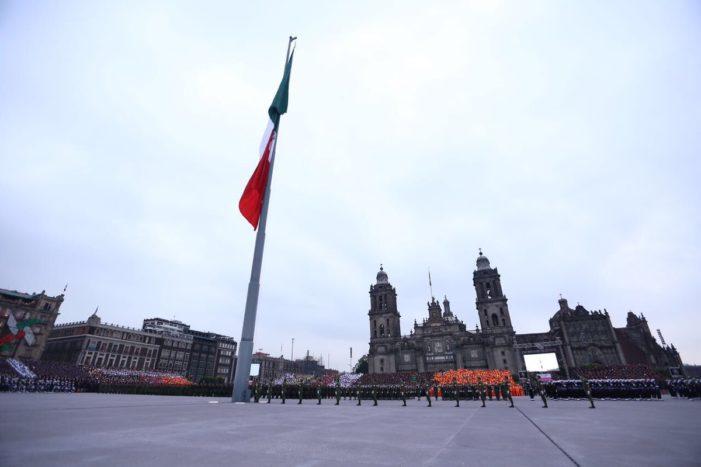 Después de cuatro meses inauguran Zócalo remodelado, costó 150 mdp (VIDEO)