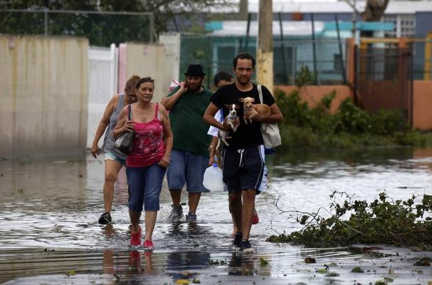 'María' deja 13 muertos, zonas inundadas y sin servicios de agua y luz en Puerto Rico