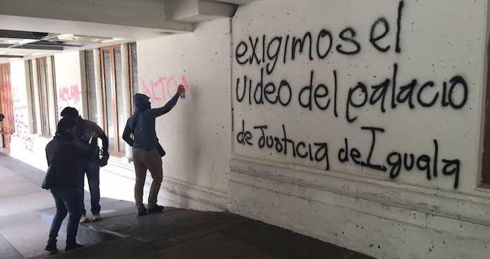 Poder Judicial de Guerrero destruyó los videos sobre el ataque a los normalistas de Ayotzinapa