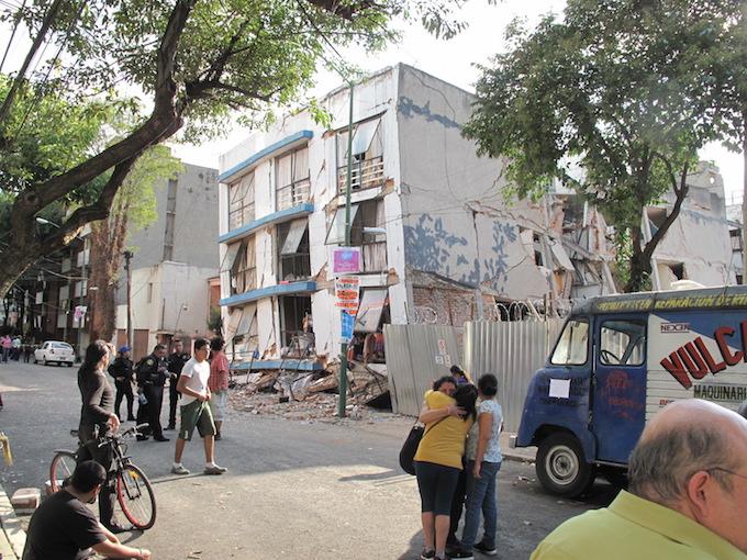 Van 184 carpetas abiertas por derrumbes en la Ciudad de México