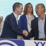 Panistas se acusan de corruptos y traidores; Calderón y su esposa callan