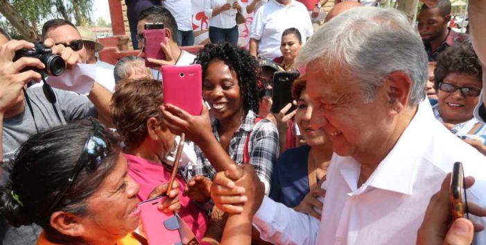 AMLO reta a Peña que demuestre vínculo con Maduro; le recomendó 'dejar de robar'