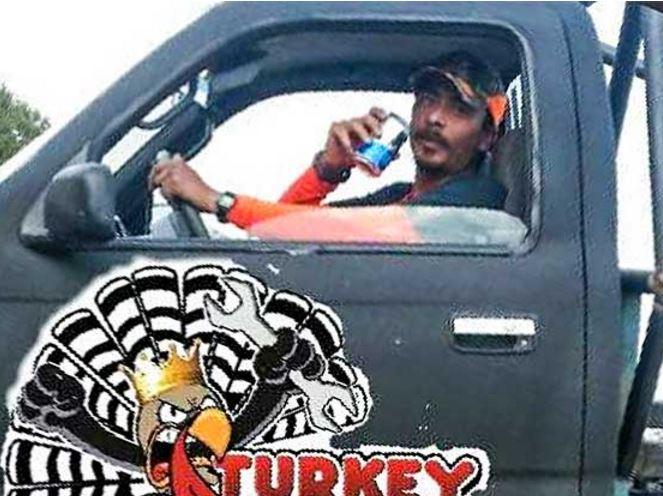 Brigadista que ayudó en labores de rescate, muere tras voltearse su camioneta