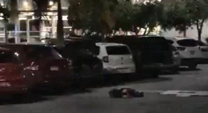 Ejecutan a pareja de ministeriales y su hijo en plaza comercial de Cancún (VIDEO)