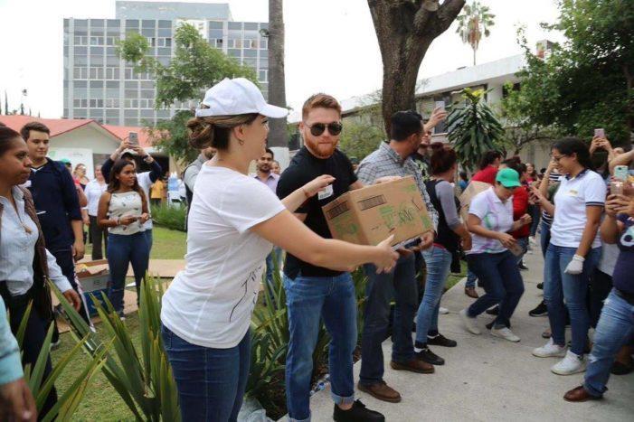 El 'Canelo' realiza donaciones de cerca de un millón de dólares