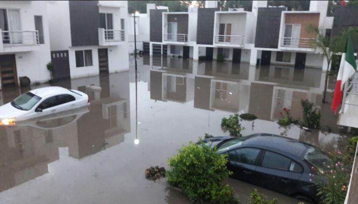 Se Desborda R 237 O San Juan En Quer 233 Taro E Inunda Cientos De