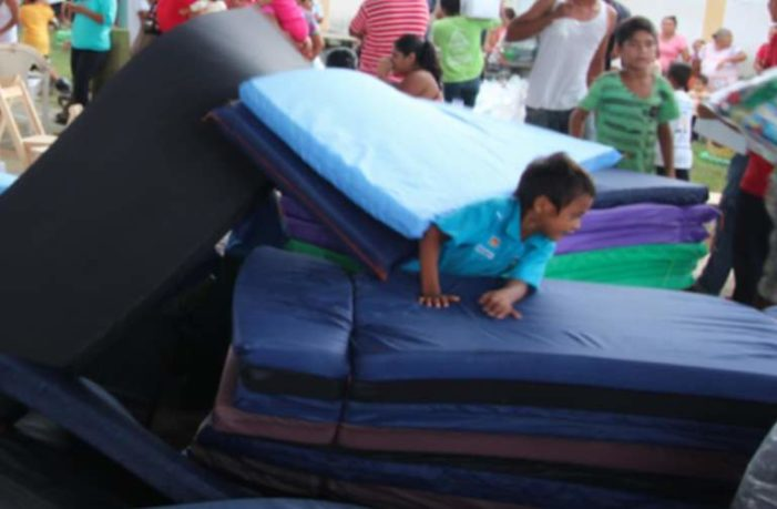 Detienen a secretario de PC de Pantepec por robar 90 colchonetas para damnificados de Chiapas