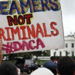 Trump daría solución a 'dreamers' a cambio de muro y reforma migratoria