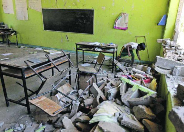 Escuelas de Oaxaca siguen en el abandono a 4 meses del sismo