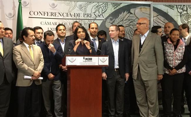 Frente PAN-PRD-MC niega tener negociaciones con Monreal para su candidatura