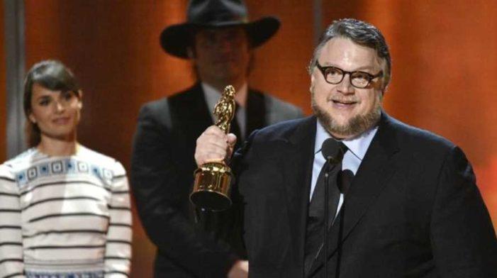 No me gusta que Peña Nieto me felicite, votaré por algo diferente: Guillermo del Toro