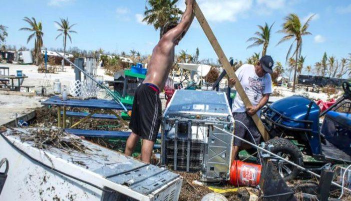 Huracán 'María' devasta Dominica y avanza hacia Puerto Rico (VIDEO)