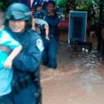 Huracán 'Max' deja los primeros daños, se inundan 300 casas en Guerrero