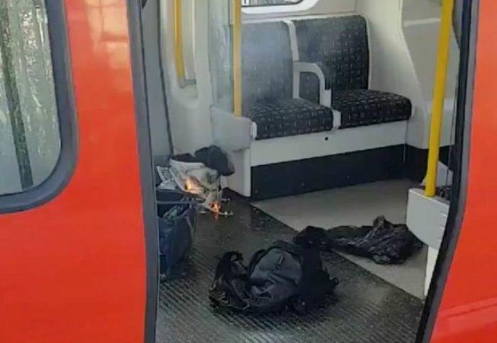Suman 29 heridos tras explosión en metro de Londres, EI se adjudica atentado