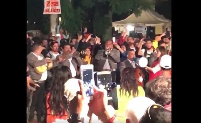 Mariachis llegan con ¡México lindo y querido! a centros de acopio