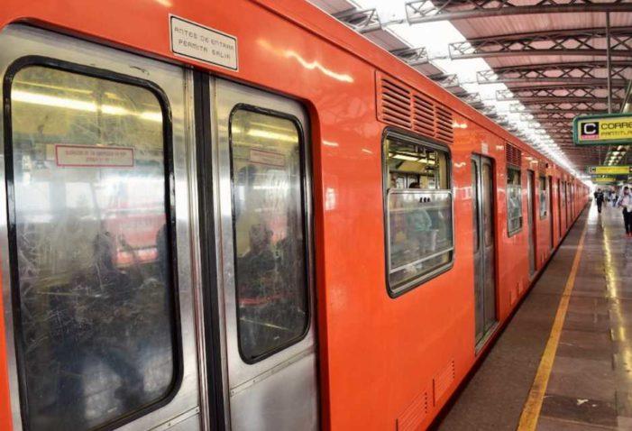 Usuarios del Metro tunden a asaltantes en estación San Lázaro (VIDEO)