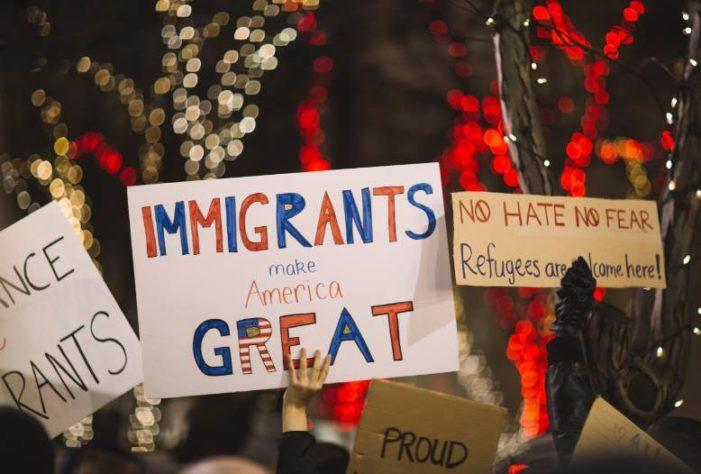 Nueva York promulga ley para proteger a los migrantes