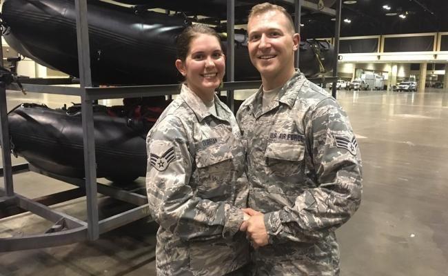 """En medio del huracán """"Irma"""", se casa pareja en cuartel de la Guardia Nacional"""