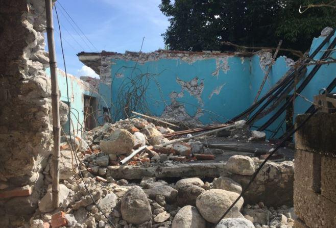 Pobladores de Pilcaya, Puebla acusan que Peña sólo fue a tomarse la foto, pero la ayuda no llega
