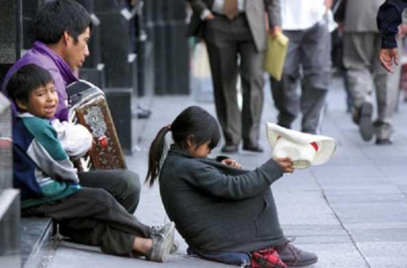 Más de 1 millón de mexicanos han robado o pedido limosna para comer: Inegi