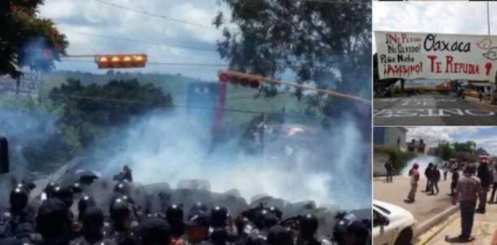 Policía reprime protestas contra la visita de Peña Nieto en Oaxaca