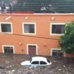 Se desborda río por lluvia y deja a por lo menos 30 casas bajo el agua en Unión de Tula