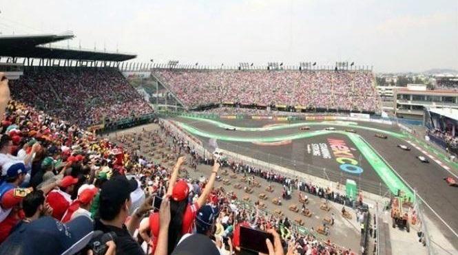 Con el puño arriba, recuerdan a víctimas del sismo en Fórmula 1