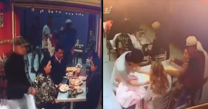 Detienen a dos asaltantes que atracaron a clientes de una taquería (Videos)