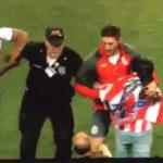 Jugadores de Chivas defienden a una fan de policía estadounidense (Video)