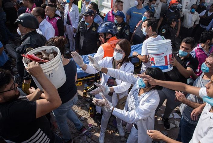 Investigador alerta por posible riesgo de epidemia entre brigadistas del sismo