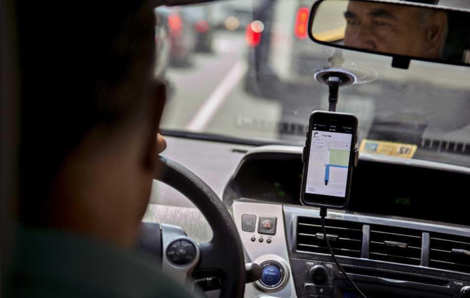Uber, Easy Taxy y Cabify