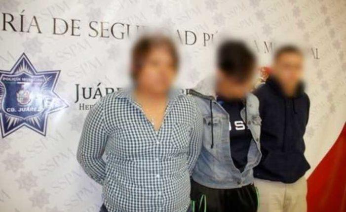 En Chihuahua detienen a dos conductoras de Uber por asaltar a pasajeros con violencia