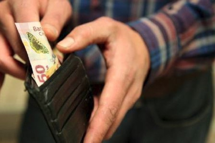 'Ridículo', 'insuficiente', 'una burla' el incremento al #SalarioMínimo, expresan en redes por Jenaro Villamil
